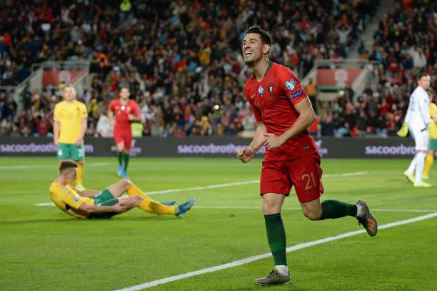 Ronaldo-ghi-ban-thu-99-bo-dao-nha-chinh-thuc-du-vck-euro-2020
