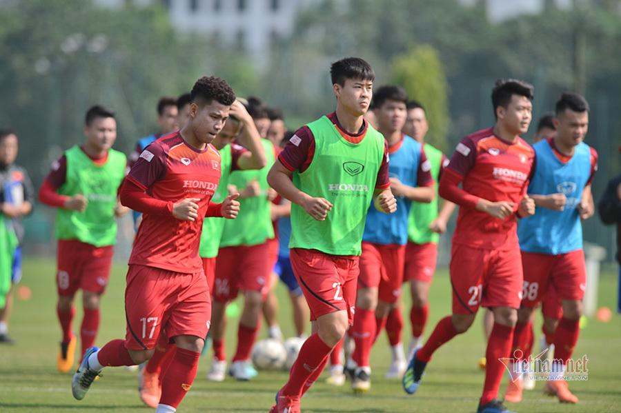 Tuyển Việt Nam tích cực chuẩn bị cho trận gặp UAE và Thái Lan