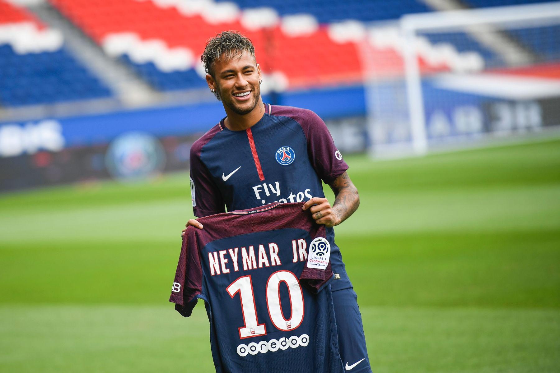 neymar-vo-doi-ve-phi-chuyen-nhuong-trong-lich-su-lang-tuc-cau